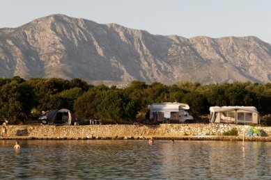 Camp nähe Sucuraj