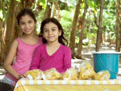 Bananenchipsverkäufer