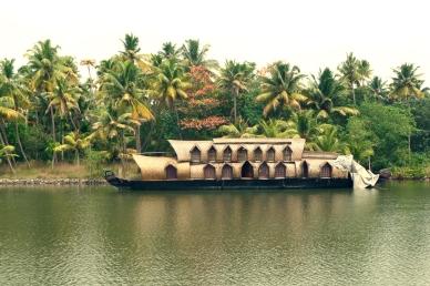 Hausboot an den Backwaters