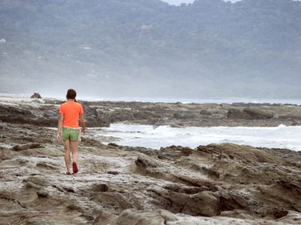 interessante Felsenstrukturen Playa Santa Teresa