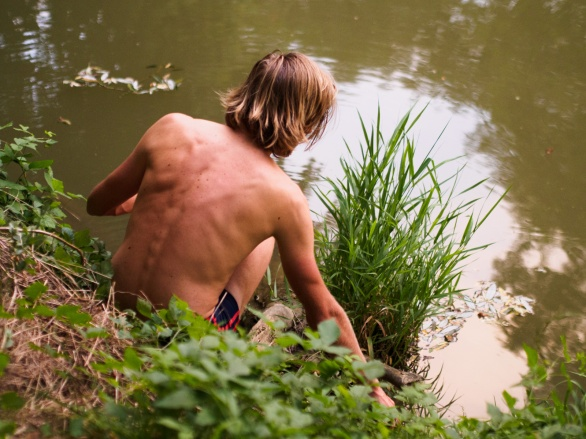Baden im Fluss Raab bei Fehring