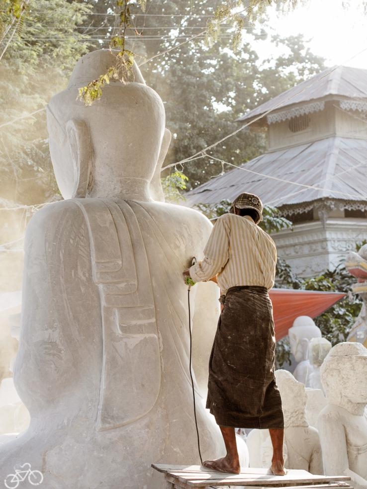Buddha Bildhauer in Mandalay