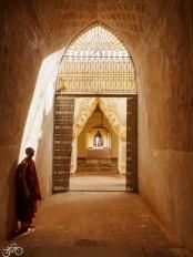 Im Tempel in Bagan