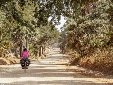 Dirt roads im zentralen Myanmar