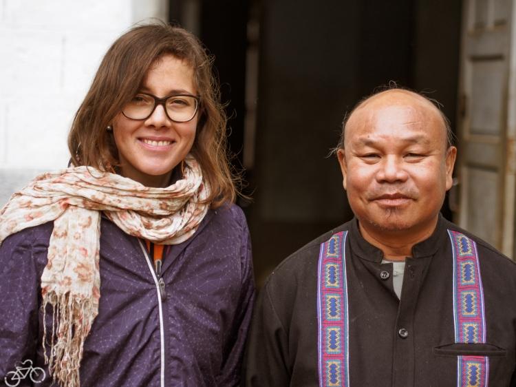 Im gebirge zwischen Loikaw und Toungoo - Priester in dessen Pfar