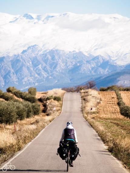 Straße in die Sierra Nevada / Silnice do Sierra Nevady